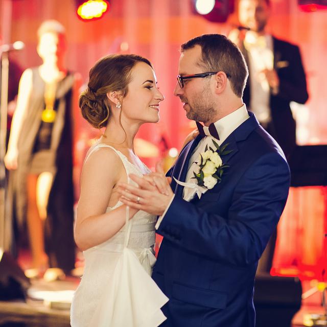 svadobný tanec Bratislava Petržalka, Ovsište, tanečná škola, svadobný tanec, mladomanželský tanec, tanec na svadbu